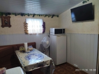 Комфортабельный номер с личной кухней в частном секторе на Первомайской