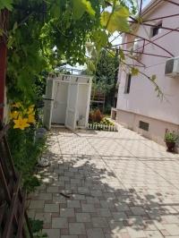 Дом с бассейном в переулке Святого Георгия